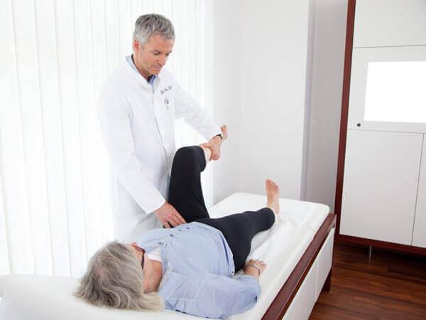 Где в Барнауле сделать эндопротезирование коленного сустава