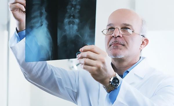 Лечение позвоночника в Израиле: цены операций, клиники, методики и отзывы