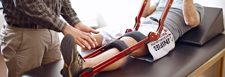 Сколько ходить на костылях после эндопротезирования коленного сустава