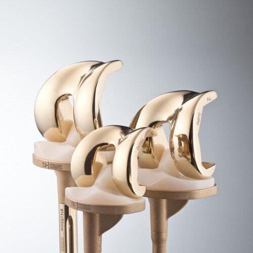 Протез коленного сустава фото